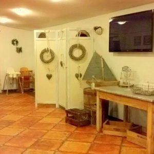 Kompleks Wypoczynkowy ZACISZE – W upalne dni mogą się Państwo ochłodzić i smacznie zjeść w naszej restauracji, znajdującej się na terenie obiektu.